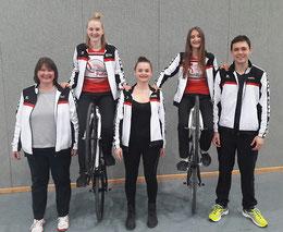 Fritzi Tausch (Trainerin), Sabine Tausch, Steffi Tausch, Lisa Mahr, Benedikt Zapp (Trainer) - v.l.n.r.