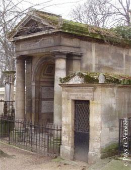 Le caveau funéraire de la famille cantalienne des bains Vigier au cimetière du Père Lachaise