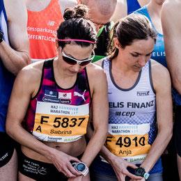 DM Halbmarathon Hannover Mocki und Anja Scherl an der Startlinie