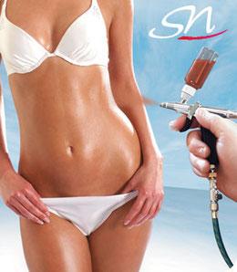 Bild: Mit Airbrush Tanning zur schönen Urlaubsbräune