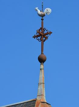 La croix faîtière de l'église de Balâtre