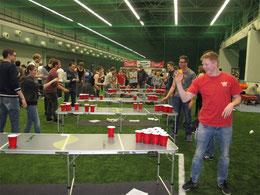 Beer Pong Turnier - unglaubliche Treffer