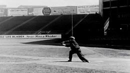 """Una scena del film """"The Cameraman"""" di Buster Keaton"""