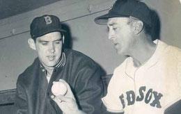 Nella foto Sal Maglie nel ruolo di pitching coach con i Boston Red Sox