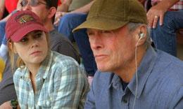 Nella foto Clint Eastwood nei panni di Gus Lobel assieme alla figlia Mickey