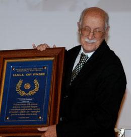 Nella foto Carmelo Pettener al'induzione alla Hall of Fame