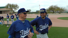 Nella foto Bill Holmberg con Mike Piazza (Foto Gallerani-Oldmanagency/FIBS)