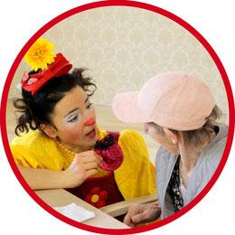 Geriatrie-Clown Angelina Haug besucht Menschen in Seniorenheimen 1