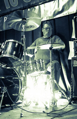 Schoelli, Drums