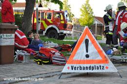 Verletztenablage vor der Ursensollner Mittelschule