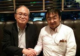 ※左が東京大学の小川紘一先生。日本の知財戦略や新時代のビジネスモデルについて大いに語り合い、楽しいひと時をすごさせていただきました。