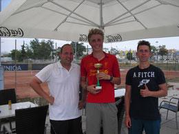 Turnier-Organisator Florian Binder mit KSV-Siemens-Open Sieger Marcus Geiger und Finalist Matthias Hason