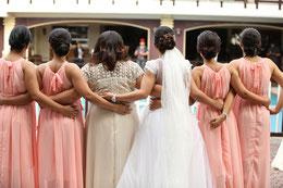Gute Freundinnen als Brautjungfern