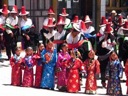 山神が憑依して始まる土着信仰の祭り