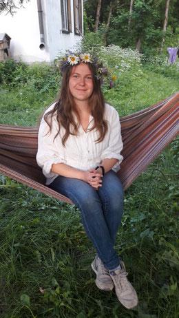 Hannah Olbrich bei der Feier der Sommersonnenwende