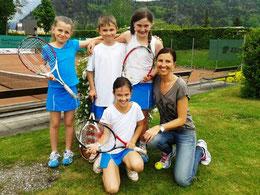 J10- Melanie, Matthias, Alina, Alina, Bettina