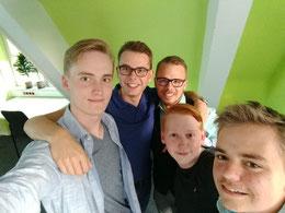 (v.l.n.r): Mirco Künne (Junge Liberale), Niels Kohlhaase (Stadtjugendring), Björn Hamel (Junge Union), Fynn Hinck (Jusos) und Jasper Mörchen (Grüne Jugend)