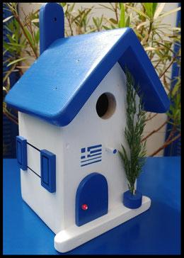 nestkastje in blauw/wit, vogelhuisje Grieks, zelfgemaakt nestkastje, beschilderd vogelhuisje