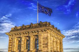 Reichstag mit Europaflagge