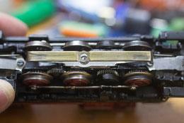 Unser Proband, ein ziemlich abgenudelter Schleifer unter einer alten V60... Ihn gilt es zu restaurieren und vor allem LEISER zu machen...