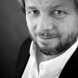 Schwarzweiss-Portrait - Christian Knudsen, Zauberer in Hamburg