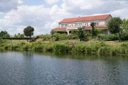 Te huur Luxe vakantiewoningen in Heel, aan de Maasplassen in midden Limburg, voor 2-6 personen met wifi, met senioren korting