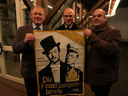 """Freuen sich auf die große """"Mörtelsteiner Feuerzangenbowle"""" am 4. Advent – (v.l.n.r) Gemeinderat Horst Keller (CDU), Kirchengemeinderat Sebastian Damm und Gemeinderat Uli Halder (Freie Wähler)."""
