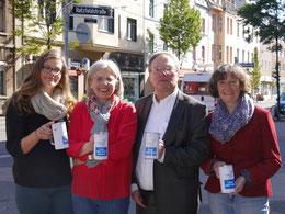 Anna Eggeling, Barbara Krug, Pfarrer Heinrich Fucks, Petra Wienß (v.l.n.r.)