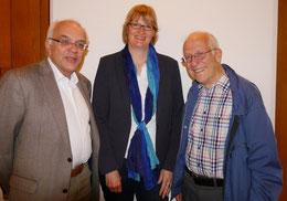 v.l.: Michael Brockerhoff, Monika Reckmann und Referent Dr. Wilfried Kratzsch