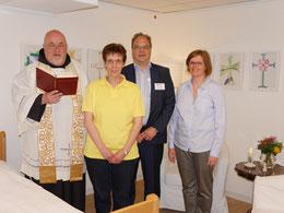 Pater Robert, Petra Reinartz, Remy Reuter und Ursula Legge