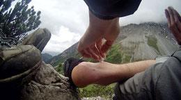 Fuß umgeknickt Voltaren Alpen Österreich Memminger Hütte Zams