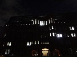窓の明かり