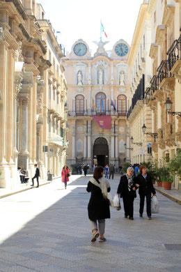 Prachtstraße in der Altstadt von Trapani
