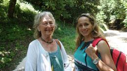Dr. Hella Nußbaum (links), Tamina Kallert