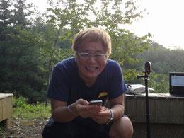 朝から素敵な元気いっぱいの笑顔で子供達のメールを読み上げる河原利彦塾超!