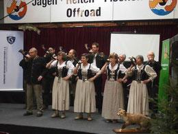 Gruppe A Jagdhornbläser auf der Bühne Jagdmesse Alsfeld
