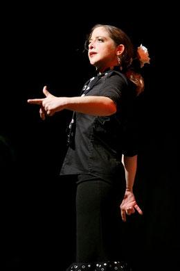Carmen López es bailaora flamenca de profesión, hija de un emigrante sevillano en Münster, en el oeste de Alemania, y mañana actúa con la compañía que lleva su nombre en el Festival de Flamenco de Berlín, uno de los más importantes de Europa,...