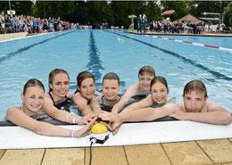 Die Schüler aus der Extremgruppe sind teilweise fast zehn Stunden geschwommen und haben den Buzzer zigfach gedrückt.  (Kühn/HAZ)