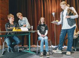 Foto (von links): Jonas Jeworutzki, Svea de Haan, Pauline Grenz, Victor Deseke