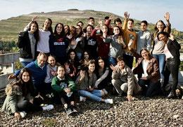 Einen fantastischen Blick vom Rathausdach genießen die 22 Austauschschüler, die mit ihren Lehrern Carlos Ajamil und Arancha Uyarra für eine Woche zu Gast an der KGS sind. (Köhler/haz)