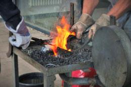 Heißes Eisen in der Schmiede