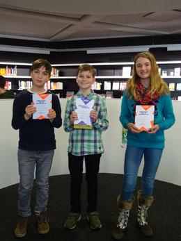 Die Sieger (von links nach rechts): Felix Kaufmann (Dritter), Hakon Vosberg (Erster), Mara Hoetmer (Zweite). (Foto: PAN)