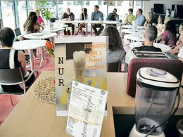 Gründungsversammlung im Café (Gückel/haz)