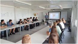 Jonas Ette, Projektkoordinator IT-macht Schule, Schülergruppe aus der Einführungsphase der KGS Sehnde