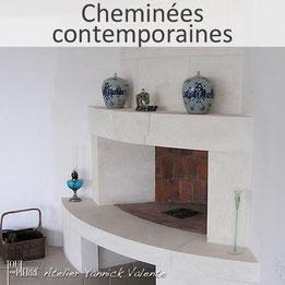 Cheminées contemporaines en pierre - Cheminée moderne - Tout en pierre (Var)