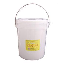 """いきいきペール5型(4.3L) いきいきペールの原料のペレットに抗酸化溶液を吹き付け、それをバケツの形に成形しています。この抗酸化溶液の力によって、いきいきペールは、発酵作用・鮮度保持作用を備えたバケツです。 味噌、塩麹、ぬか漬け、酵素ジュース、ヨーグルトなどの発酵食品が簡単に作れます。 発酵食品づくりに必要な""""毎日の手入れ""""が週に1〜2回でOK。"""