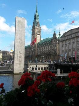 Kleine Alster met de Rathausmarkt op de achtergrond