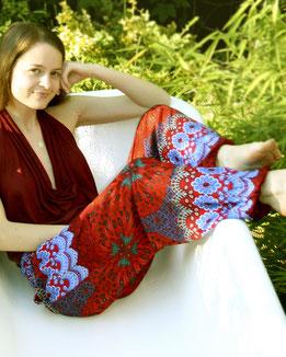 Entspannt mit Haremshose, Yogahose, Pluderhose, rot, blau, mit Mandala Muster, Fairtrade