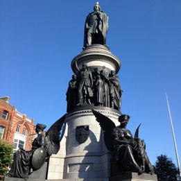 statue on o'connell street
