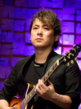 荒川  岳大 (Guitar)